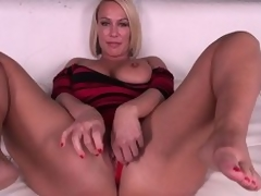 Domineer pretty good MILF Mellanie Monroe doesn't even torture getting barren before she masturbates