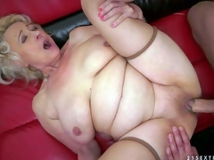 Sila is a blond-haired horny oldie that spreads her legs wide for her young fuck buddy and gets real pelasure. She gets her vagina tongue drilled and then makes his schlong disappear in her older vagina
