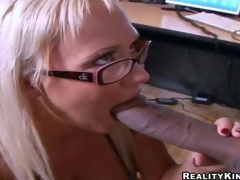 Cock hungry golden-haired secretary Carly Parker with stunning milk cans and sexy glasses acquires on knees and gives head to Justin Long with enormous cock in hot office act at lunch break
