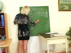 Milf teacher can't live without to masturbate after school