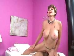 Mature slut in lingerie loves a hawt creampie